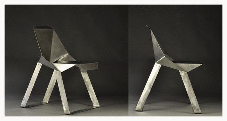 NR7 Stuhl aus Stahlblech gefaltet