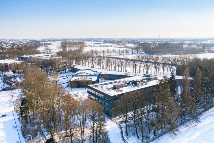 #egbertdeboer #egbertdeboerfotografie #architecture #architectuur #roosrosarchitecten #roosros #binx #binxsmartility #agg #architectengroepgelderland #silvolde #almende #almendecollege #stedenbouw