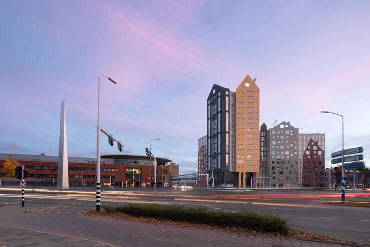 #WAA #wielarets #wielaretsarchitetcs #amsterdam #zuidas #rollecate #egbertdeboer #egbertdeboerfotografie #vandervalk #architectuur #architecture #hotel #leisure #facade #glassfacade