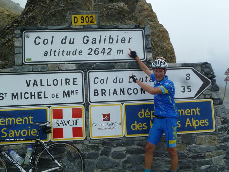Tour Nr. 3 mit  Martin auf 2642 Meter am Col du Galibier bei nasskaltem Wetter