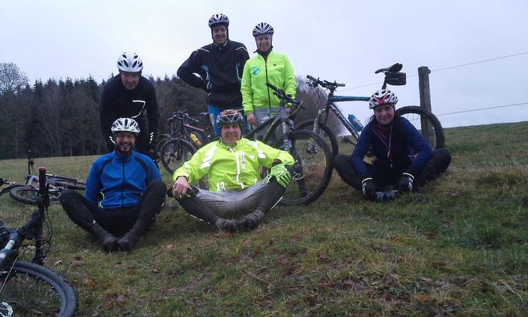 ... Kurt Zeller Gedächtnis LD Gruppenbild am Ende der heutigen Trailrunde Wettenberger Ried...