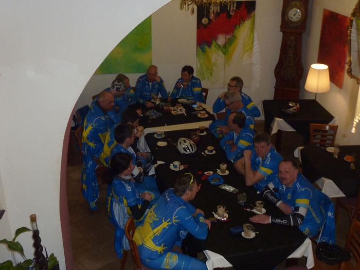 20.03.2015 - Gruppe Stefan bei Kaffee-Pause in Petra