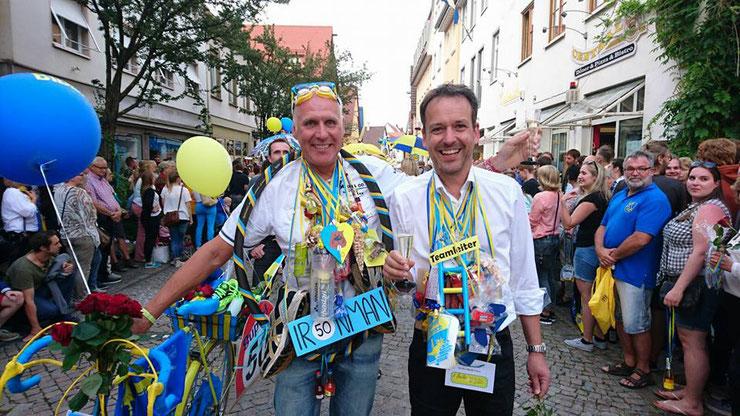 """... Jochen und Steff, sagen im Namen aller mitwirkenden Jahrgänger vom Radtreff : """"Herzlichen Dank """"..."""