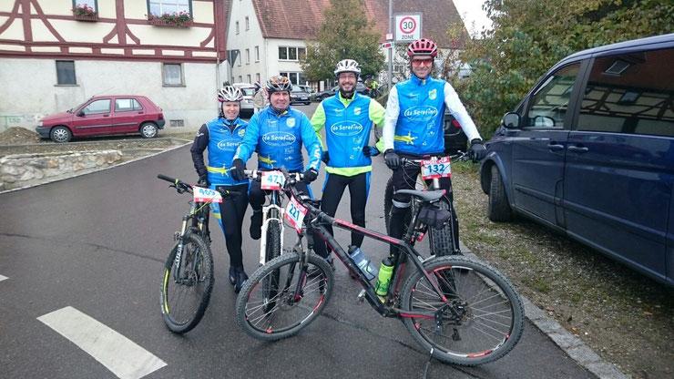 Daugendorf, 18.10.2015 - Sandra, Steff, Fred und Alex für den Radtreff Biberach am Start beim ENGEL-CUP 2015