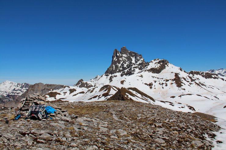 Vers le Pic du Midi d'Ossau (2884m).