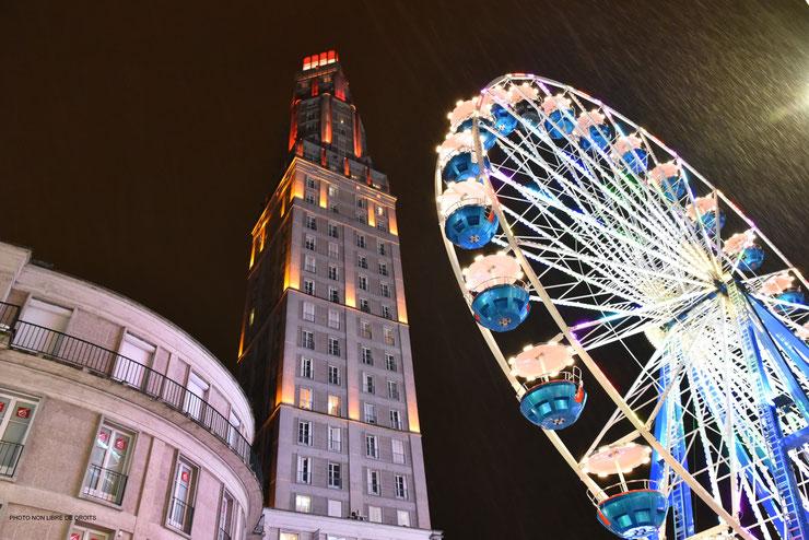 Grand-roue, marché de Noël, photo non libre de droits