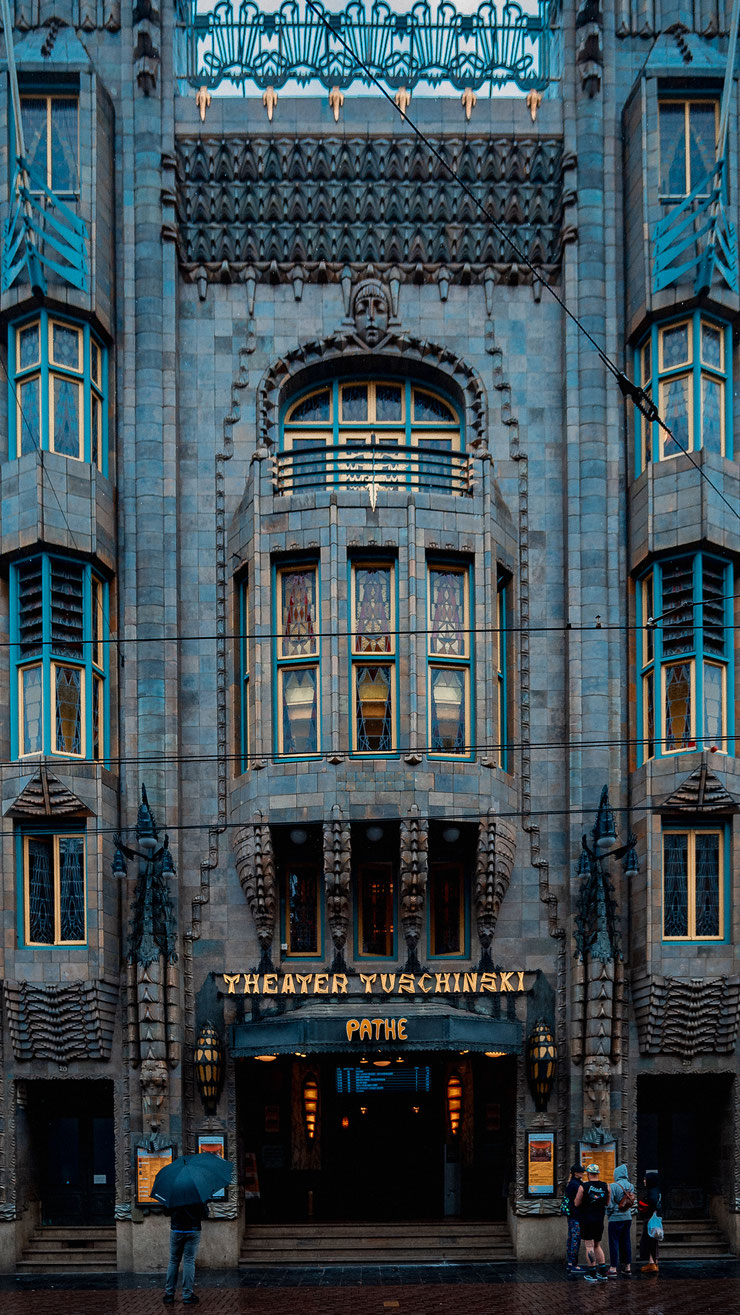 THEATER TUSCHINSKI