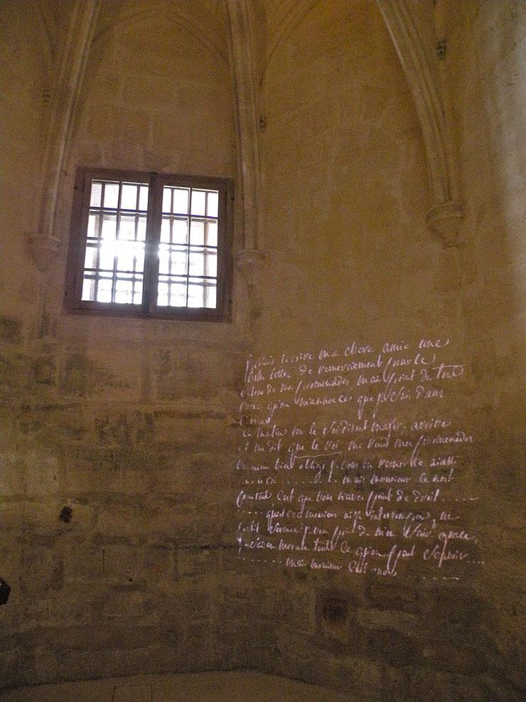 L'interno della cella di de Sade a Vincennes, dove scontò una prigionia precedente alla Bastiglia