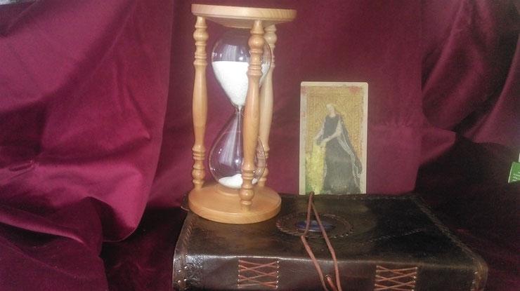 Запись на сеансы и магические ритуалы к ясновидящей Natalie Dell по Германии, ясновидящая в Германии, ясновидящая в Германии по телефону, по скайпу, гадалка в Германии, гадание на картах в Германии, парапсихолог в Германии, Rendsburg, Husum, Buxtehude