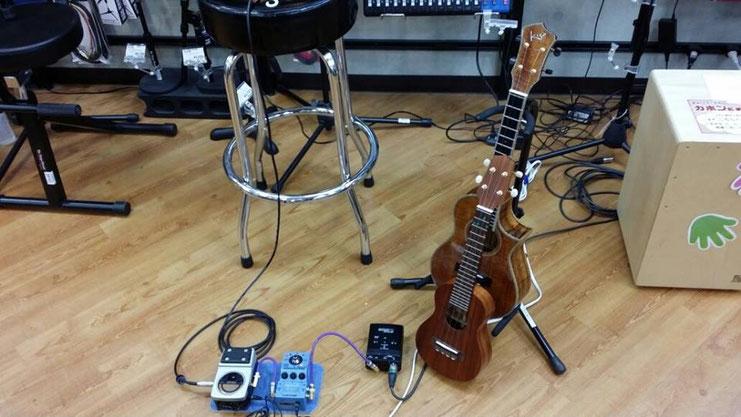 2月11日の祝日は、島村楽器イオンモール秋田店さんで、ウクレレセミナーでした♪写真は、ミニライブの準備をしている所☆