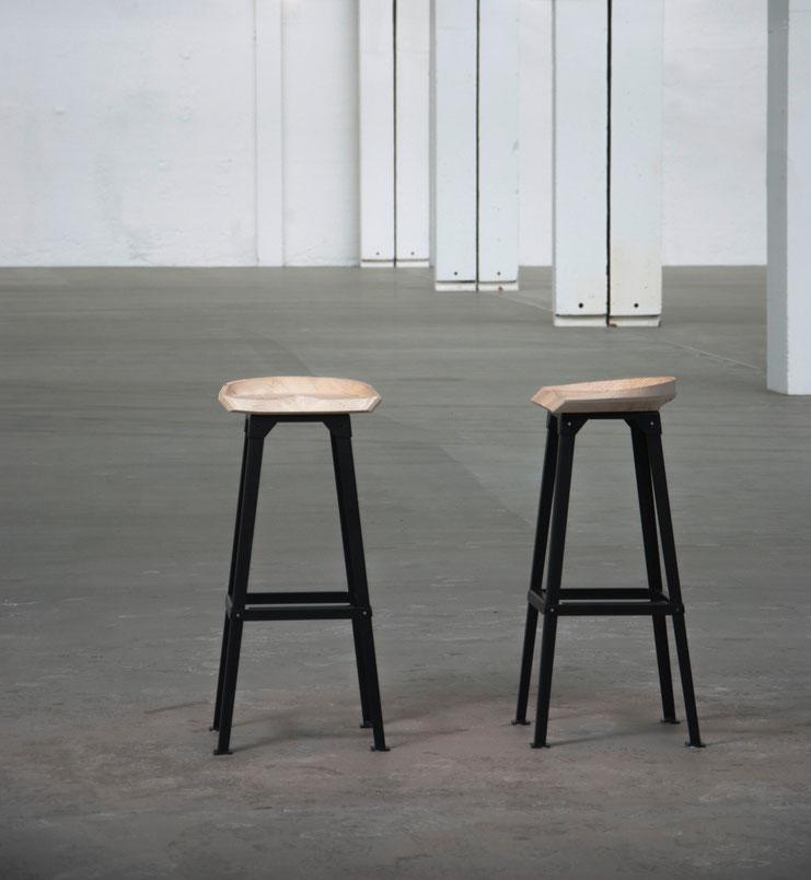 Barhocker, Stahl Untergestell, Holz Sitzschale