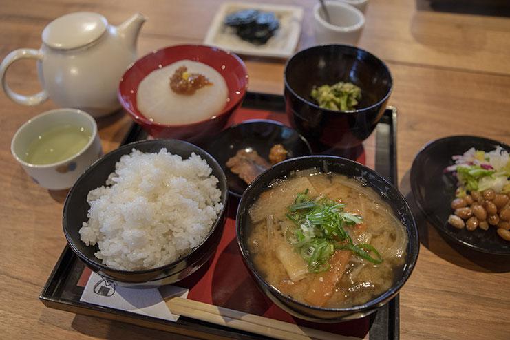 長尾と珈琲さんの一汁三菜ランチ