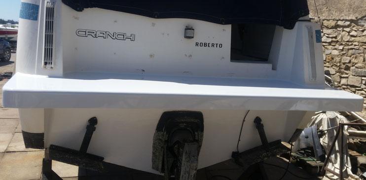 Planche arrière de bateau en fibre de verre