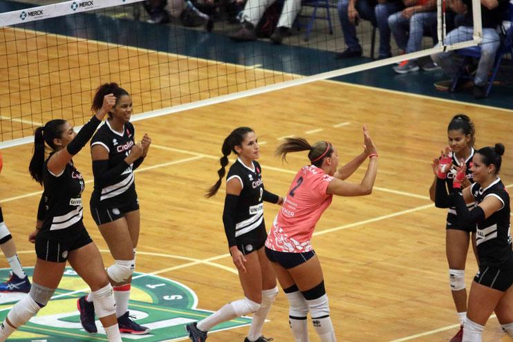 Las Criollas de Caguas actuales Tetracampeonas de la LVSF buscarán otra sortija de campeonato para convertirse en PENTACAMPEONAS / Foto por Heriberto Rosario Rosa
