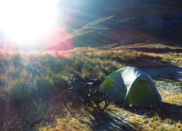 Sehnsüchtig erwartet, die ersten Sonnenstrahlen am Morgen.