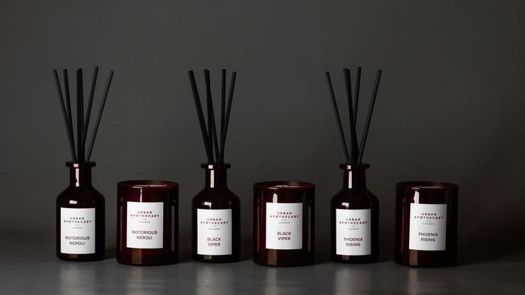 Entdecken Sie die spannenden Düfte von URBAN APOTHECARY. Ob Duftkerze oder Duftdiffuser, erleben Sie Ihr persönliches Duft-Erlebnis. Luxuskerze | Duftkerze | Duft-Diffuser | Parfum | Online-Shop | PRETTY PRETTY