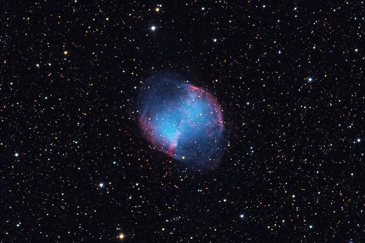 Der Hantel-Nebel M27 - aufgenommen am 3. & 4. September 2019 in der Sternwarte Flumenthal (LRGB Verfahren).