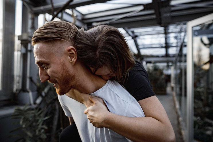 Remindfilms Paarshooting im Botanischen Garten Berlin