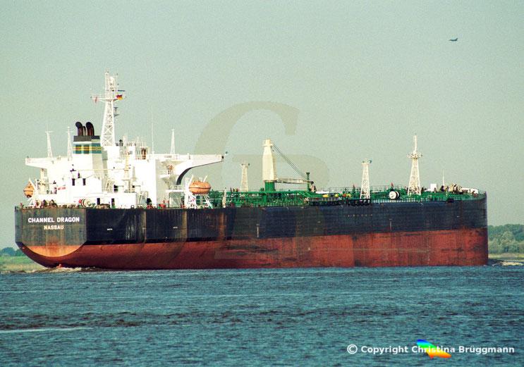 Tanker CHANNEL DRAGON, Elbe 09.2001