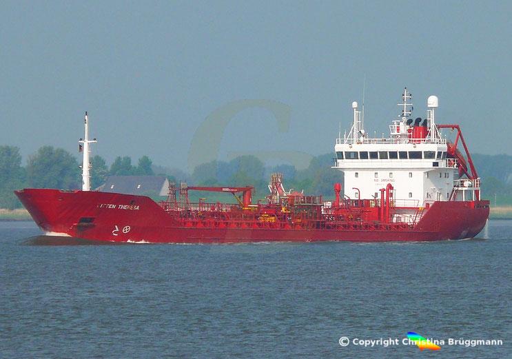 Chemie-/ Öltanker BITTEN THERESA, auf der Elbe, 13.05.2018
