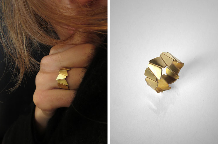 FACE-A-FACE ring, brass gilded with  fine gold, Nelly CHEMIN faceted, organic, irregular, prism, triangle, geometric, scale