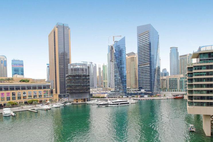 Dubai Marina for balcony / Вид с квартиры - Слева крайнее здание - Дубай Марина Молл
