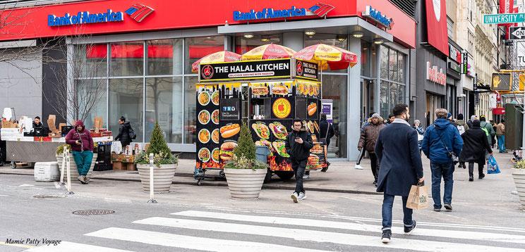 Hot dogs,14ème rue et University PL, New York