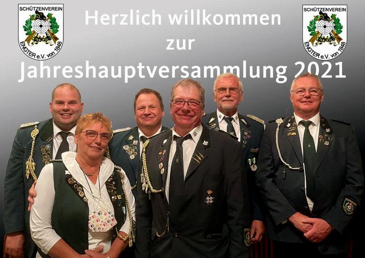 Wiedergewählte Funktionsträger im Verein, von links nach rechts: Alexander Krüger, Margret Gausmann, Volker Härter, Frank Gerding, Helmut Witt, Günther Wehrs