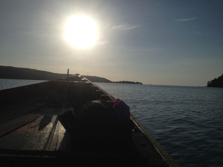 Longboat bei Sonnenuntergang