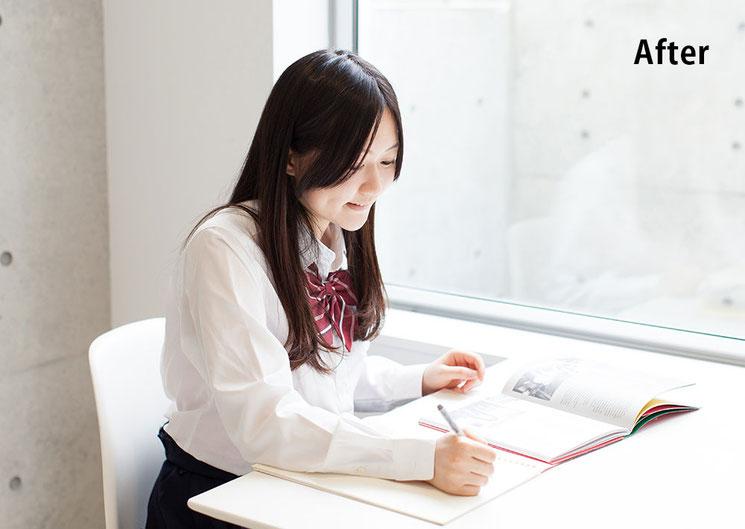 前向きになり勉強に励む女子高生