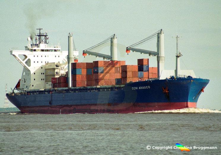 Mehrzweck- und Containerfrachter CCNI AURAUCO, Elbe 06.2002