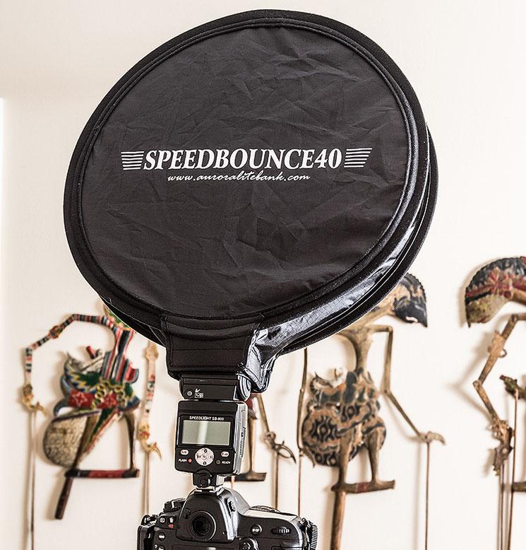 Aurora Speedbounce 40 im Einsatz auf einem Nikon SB-800, Foto: bonnescape