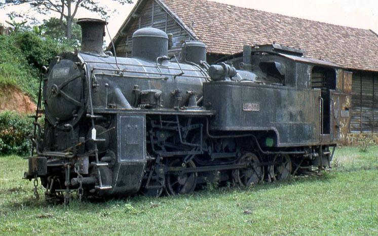 Eine Schweizer Dampflok vom gleichen Typ Ende der 1980er Jahre in Vietnam