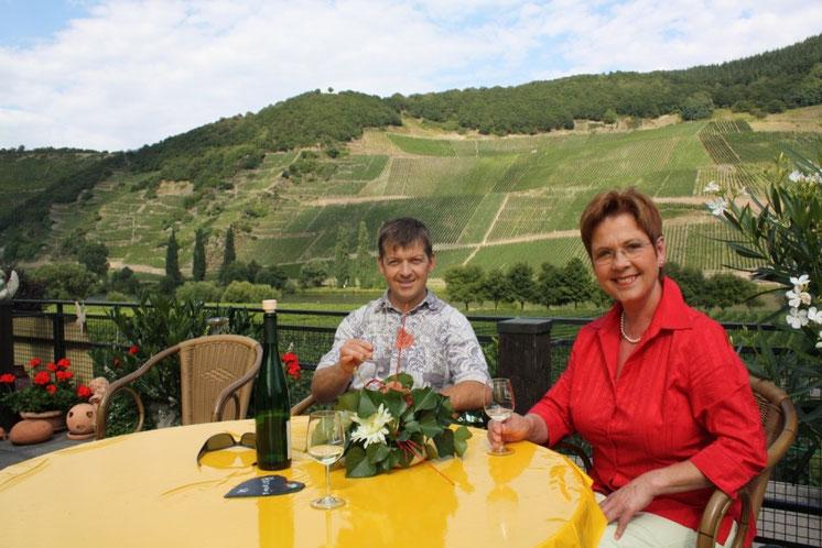 """Ingrid Elisa und Sohn Harald """"Winzermeister"""""""
