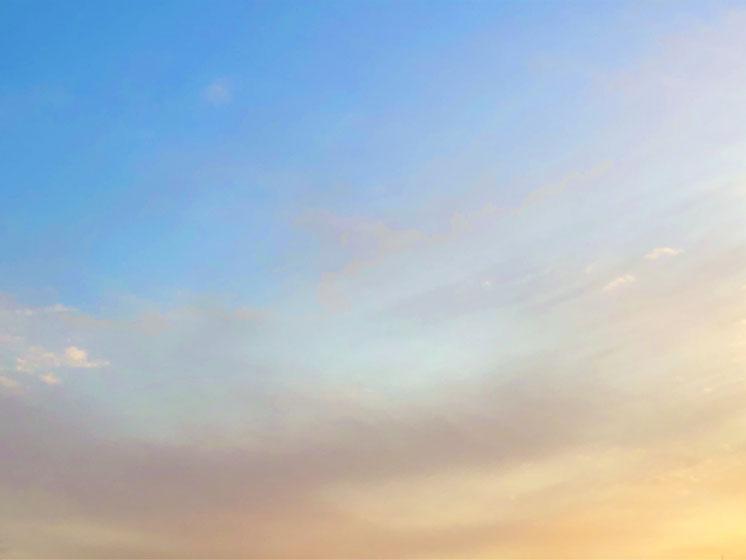 京都市下京区にある心療内科、女医のいるメンタルクリニック、青空と雲