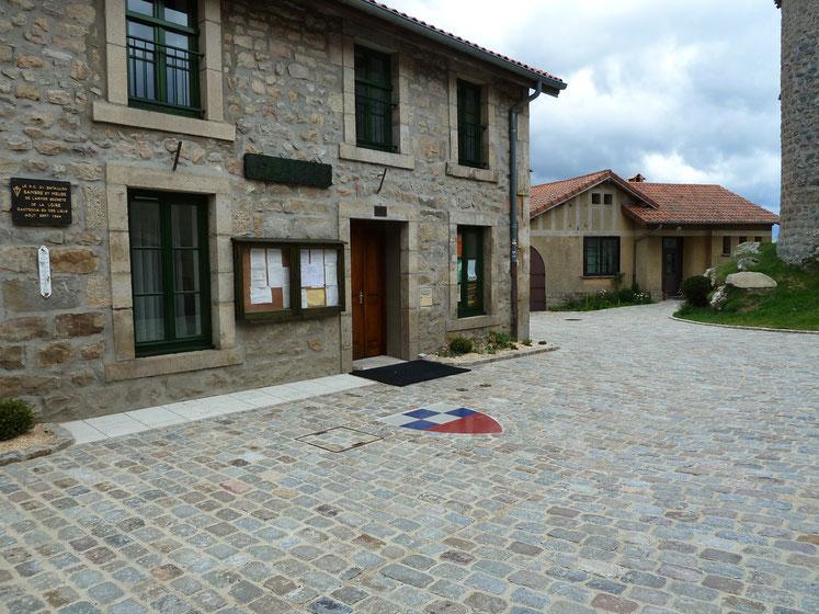 Mairie de Montarcher  altitude 1162 mètres ( la commune la plus haute de la Loire)