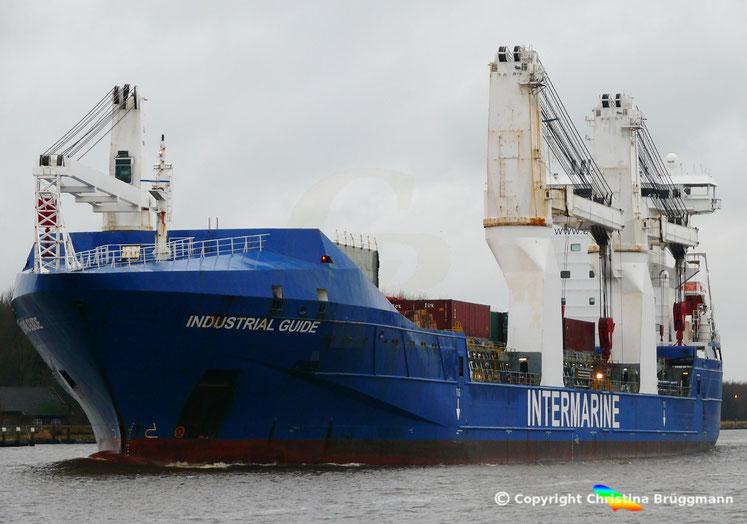 Schwergutfrachter INDUSTRIAL GUIDE auf dem Nord-Ostsee Kanal, 31.12.2017