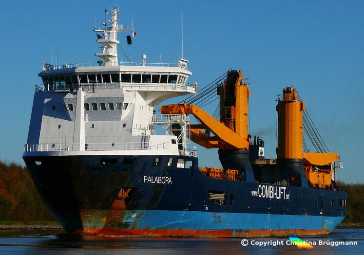 """Heavy Lift Vessel """"PALABORA"""" auf dem NOK (13.11.2017) auf der Reise nach Emden"""
