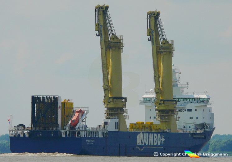 Schwergutfrachter JUMBO KINETIC  nach Besuch in Hamburg auf der Elbe 02.08.2016