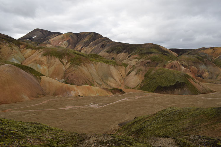 Brennisteinsalda, Vondugil- day hikes from Landmannalaugar - colourful mountains