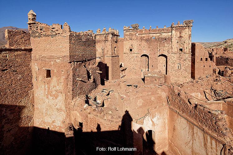 Aussenkulisse der Kasbah von Telouet, Marokko. Aufgenommen mit der Sony Alpha 7R mit Canon TS-E 17 mm Shift. Copyright 2014 by Rolf Lohmann