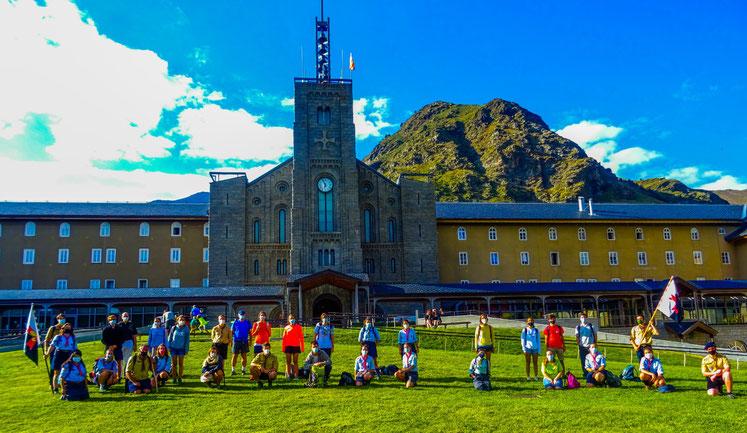 Fotografía de grup davant el Santuari de Núria. FOTO: Pau Artés