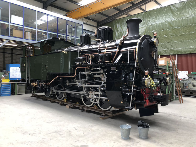 Die HG 4/4 704 beim Rollout vom 16./17.6.2018 in der Werkstätte Uzwil