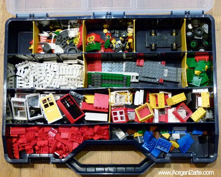 Lego clasificado en caja de herramientas - www.AorganiZarte.com
