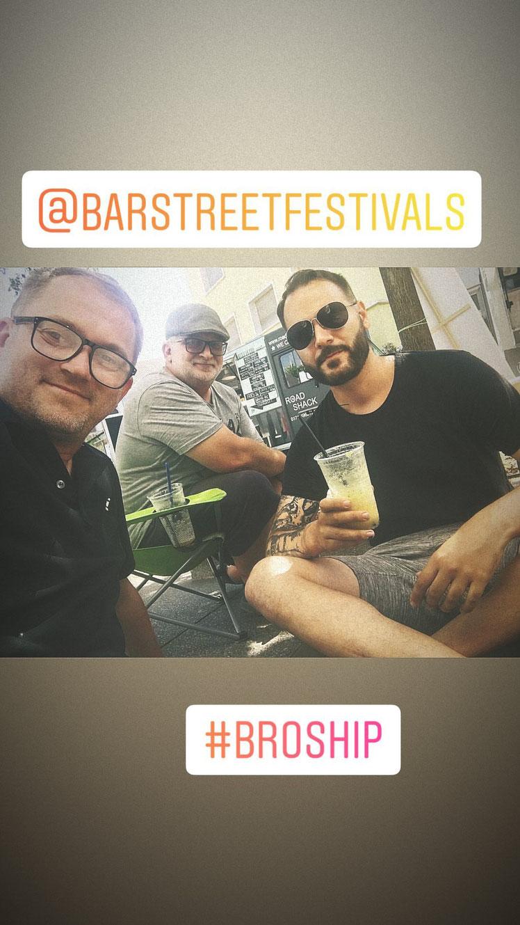 Von links nach rechts: Barstreet-Veranstalter Damian Domin, meine Wenigkeit, Jan Alvarez