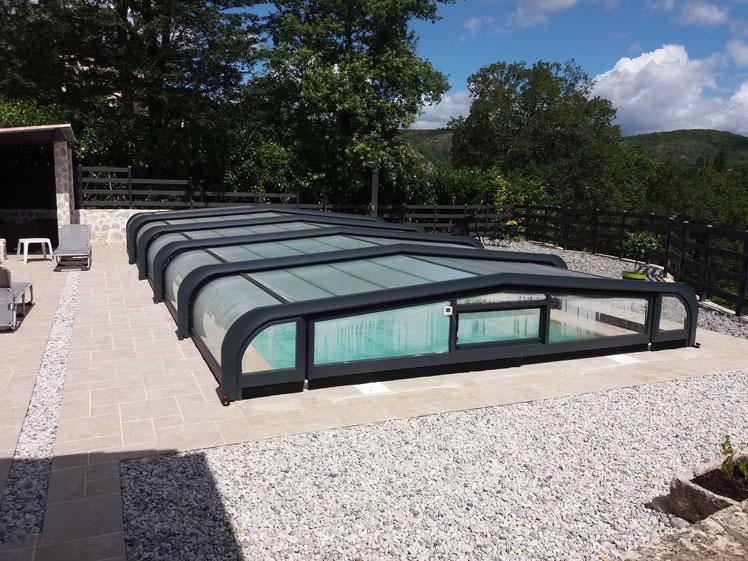 Piscine coque polyester FAROA  9.50 X 4.00 ,  Abris piscine CAZALS 82140