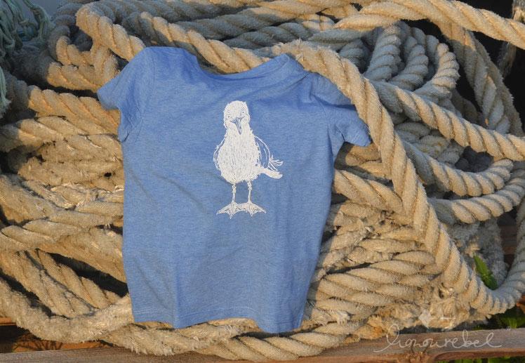 honourebel Kids HERRING GULL T-shirt. Nachhaltiges, weiches Kinder T-Shirt aus Biobaumwolle mit Möwe.
