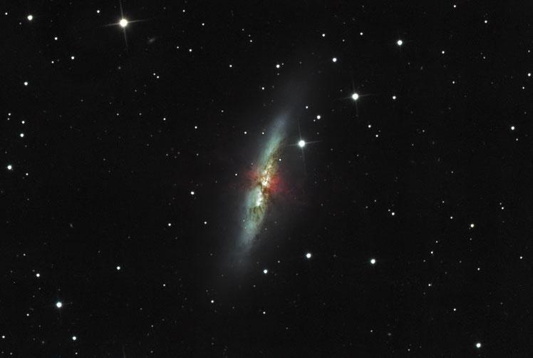 Die irreguläre Sturburst-Galaxie M82 - aufgenommen am 16. 17 und 18. März 2020 in der Sternwarte Flumenthal mit dem HaLRGB Verfahren