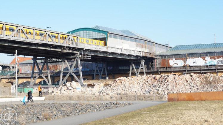 U-Bahnhof Gleisdreieck - der alte Viadukt wird gerade abgerissen