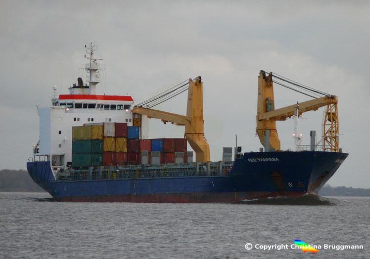Schwergutfrachter ABB VANESSA auf der Elbe, 25.10.2017